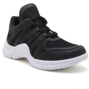 Qupid black & white chunky sole sneaker size 5 NEW